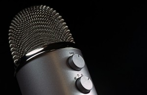 microphone-1172260_640
